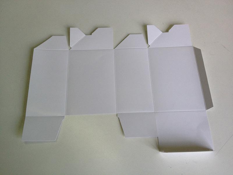 白卡纸切割